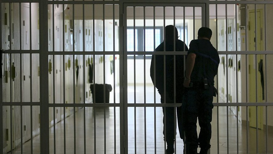 Coronavirus : la ministre de la justice ouvre la voie à la libération de détenus en fin de peine et de malades