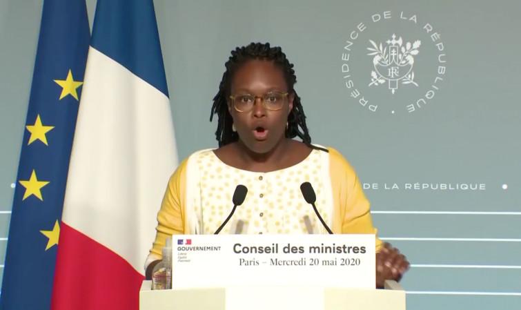 LE GOUVERNEMENT FRANÇAIS ACTE LA FIN DU FRANC CFA !