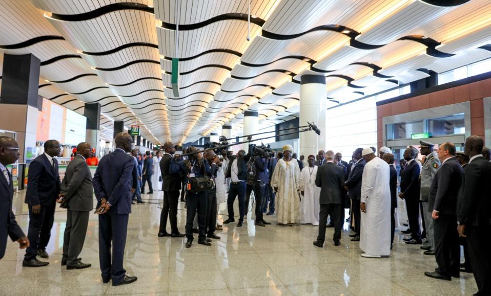Aéroport Blaise Diagne : des Sénégalais rapatriés de Paris refusent de s'isoler pour 24h, Krépin Diatta parmi les passagers