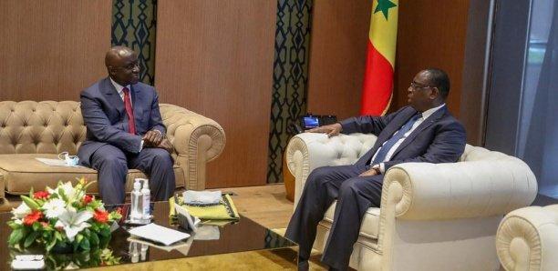 CESE: Macky Sall augmente les indemnités des conseillers, le peuple s'enfonce dans la misère !