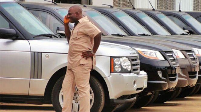 Abus dans les véhicules administratifs: 274 milliards dépensés de 2012 à 2020 dans l'acquisition, l'entretien et la réparation