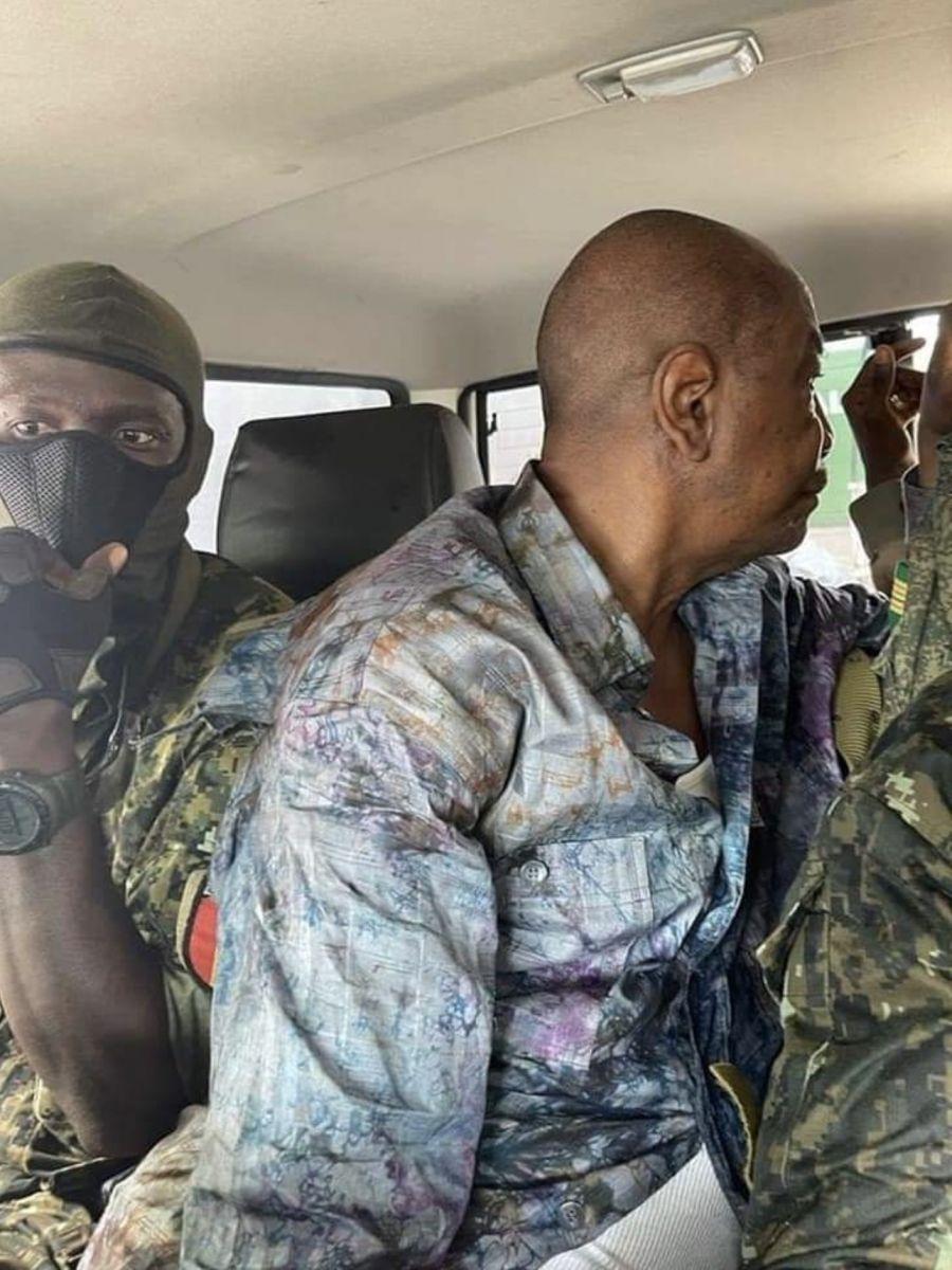 [Photos-Vidéo] Putsch en Guinée : Les images exclusives de l'arrestation d'Alpha Condé
