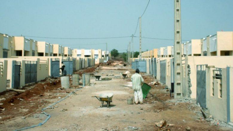 PROGRAMME 100.000 LOGEMENTS SOCIAUX La Sn-Hlm hérite de 25.000 logements et innove avec une plateforme de paiement en ligne