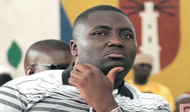 YEWWI ASKAN WI MEDINA ECLATE   Bamba Fall claque la porte de la coalition et prend son destin en main