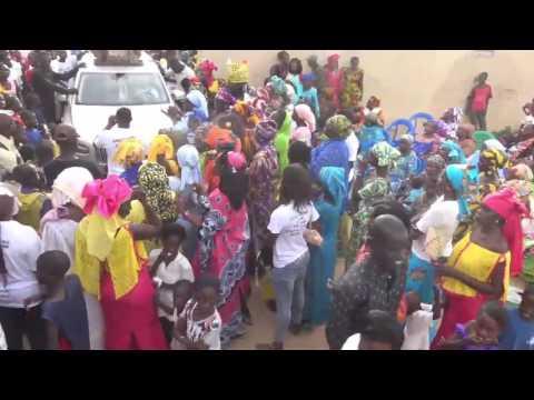 VISITE DE PROXIMITÉ :Une forte délégation des jeunes de l'APR conduite par Pape Demba ndiaye à Thiès prêt à offrir un 2ème mandat à Macky