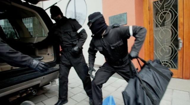 ATTAQUE A MAIN ARMÉE A JAXAAY 2 PRES DE LA SEDIMA: la voiture des braqueurs retrouvée, la Police scientifique