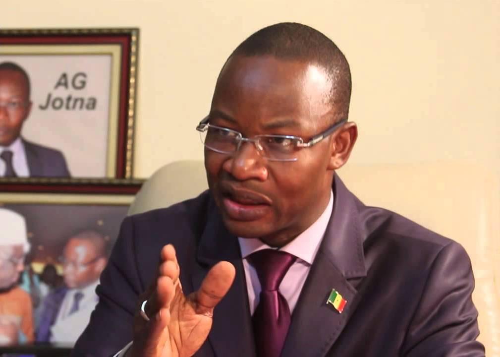 """Dakar Dem Dikk : Les syndicats sortent """"les cafards"""" du Dg Moussa Diop"""
