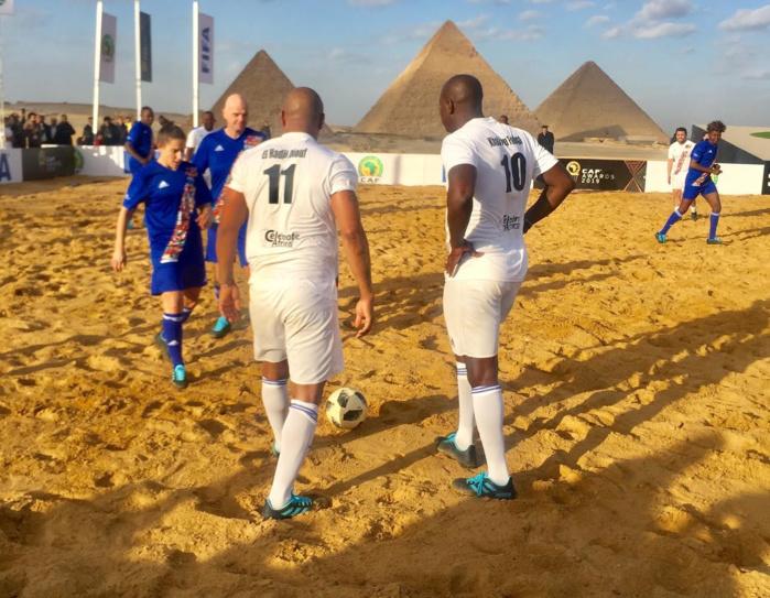 CAF Awards 2019 : El Hadj Diouf et Fadiga ont enfilé les crampons pour le « Match des légendes »
