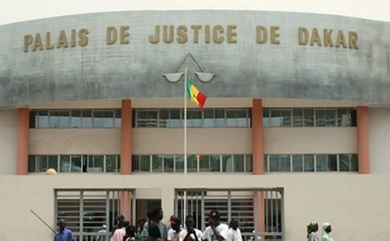 ESCROQUERIE ET FAUX USAGE DE FAUX EN DOCUMENT ADMIRATIF : Alassane Diabira délivrait de faux permis de visite au sein du tribunal de Pikine/Guédiawaye moyennant 1000 ou 2000 F
