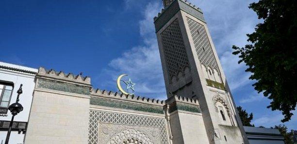 FRANCE : DES REPRÉSENTANTS MUSULMANS MÉCONTENTS D'UNE POTENTIELLE REPRISE DES OFFICES RELIGIEUX LE 29 MAI