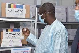 RÉCEPTION DE 200.000 DOSES DU ROYAUME DE BELGIQUE Abdoulaye Diouf Sarr cible les étudiants et les enseignants