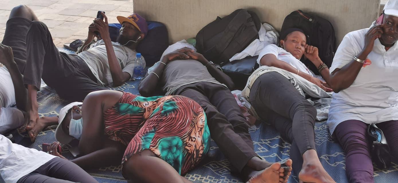 LES PRESTATAIRES DE LA SENELEC EN GREVE DE LA FAIM DEPUIS HIER  «Nous sommes prêts à mourir de faim, en martyrs, que de mourir en prestataires»