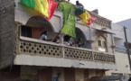 (EN IMAGES) - APRES LA QUALIF DES LIONS EN FINALE : La foule en liesse chez Cheikhou Kouyaté à Khar Yalla