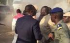 VIDEO/Macky Sall prend feu avec sa limousine,les sapeurs pompiers........