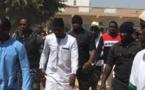 OUSMANE SONKO RECEVANT LE LEADER DE FDS/LES GUELWARS «Macky Sall est un président qui abandonne son peuple en souffrance, revient amuser la galerie pour éliminer un adversaire»
