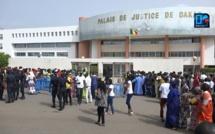 TENTATIVE DE MEURTRE : Mouhamed Ndiaye tergiverse dans ses déclarations, se comporte comme un fou à la barre, le procureur demande une expertise médicale